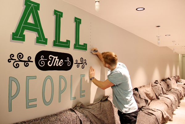 Holiday_Inn_typography_mural_01