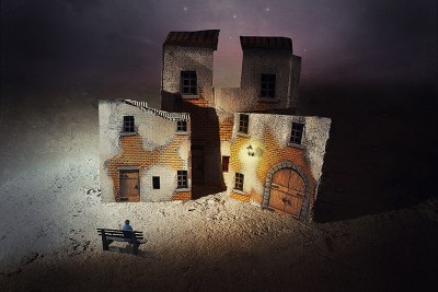 Dramatic Images through a Distinctive and Surreal World
