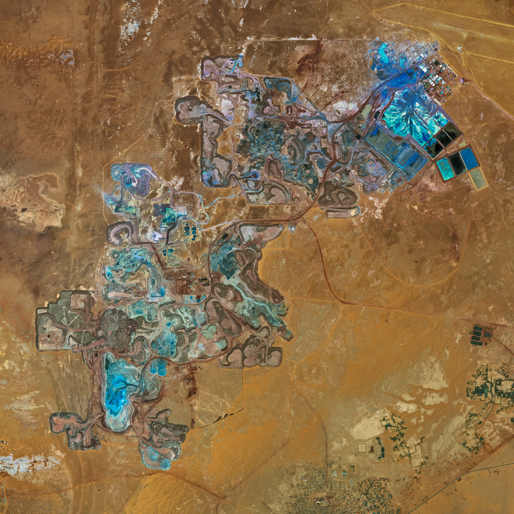 Stunning aerial photos of African Mines by Bernhard Lang